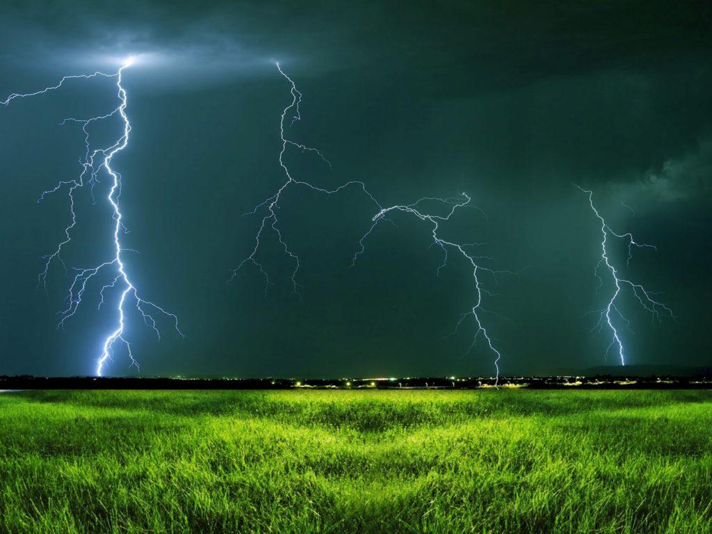 если хотите картинки гроза и молния дождь покажу