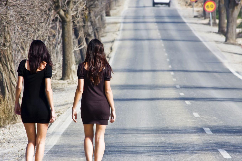 Фото девушек не праституток, Девушки легкого поведения -фото! Одетые, как 8 фотография