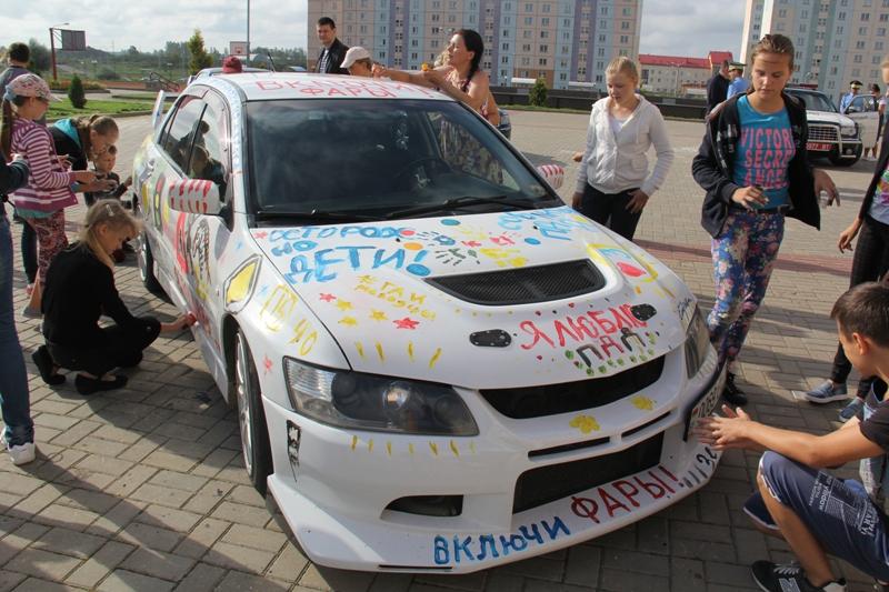 ГАИ напоминает белорусским водителям о необходимости включать ближний свет фар