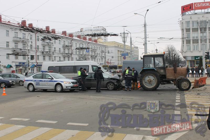 ВВитебске Mercedes после столкновения с Вольво сбил четверых пешеходов