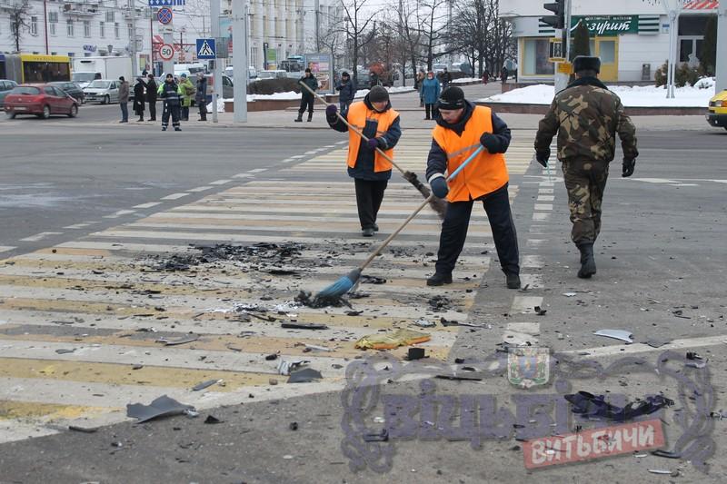 ВВитебске микроавтобус Mercedes столкнулся с Вольво исбил четырех пешеходов